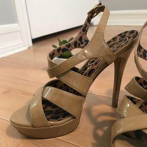Jessica Simpson Heels 🥂